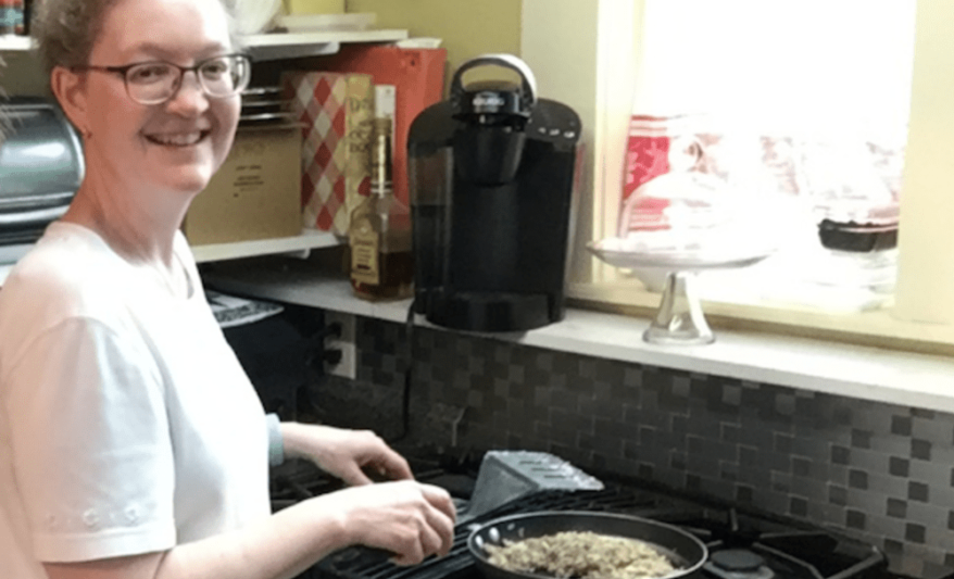 HOW TO MAKE SAUSAGE GRAVY WITH CHICKEN – A GUEST CHEF VIDEO RECIPE, Olde Square Inn