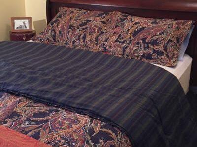 Quilts & Fabrics, Olde Square Inn